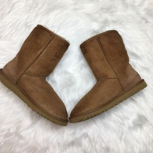 UGG Chestnut Brown Short Boots Size 9